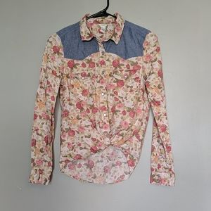 Forever 21 button up flowered blouse